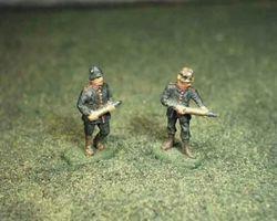German artillery crew with ammo
